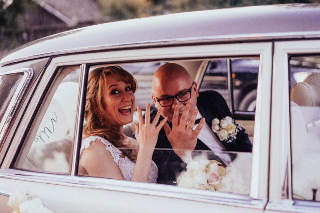 ślub wesele fotograf ślubny zdjęcia ślubne fotografia ślubna łódź warszawa zgierz ozorków para młoda usc mąż i żona